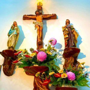 bàn thờ công giáo treo tường Cách đặt bàn thờ công giáo Bàn thờ Chúa phòng khách Những mẫu bàn thờ Chúa đẹp Bàn thờ Công Giáo TPHCM Thiết kế bàn thờ Chúa trong phòng khách Bàn thờ Công giáo bằng kính Cách trang trí bàn thờ chúa Bàn thờ Chúa trong phòng ngủ