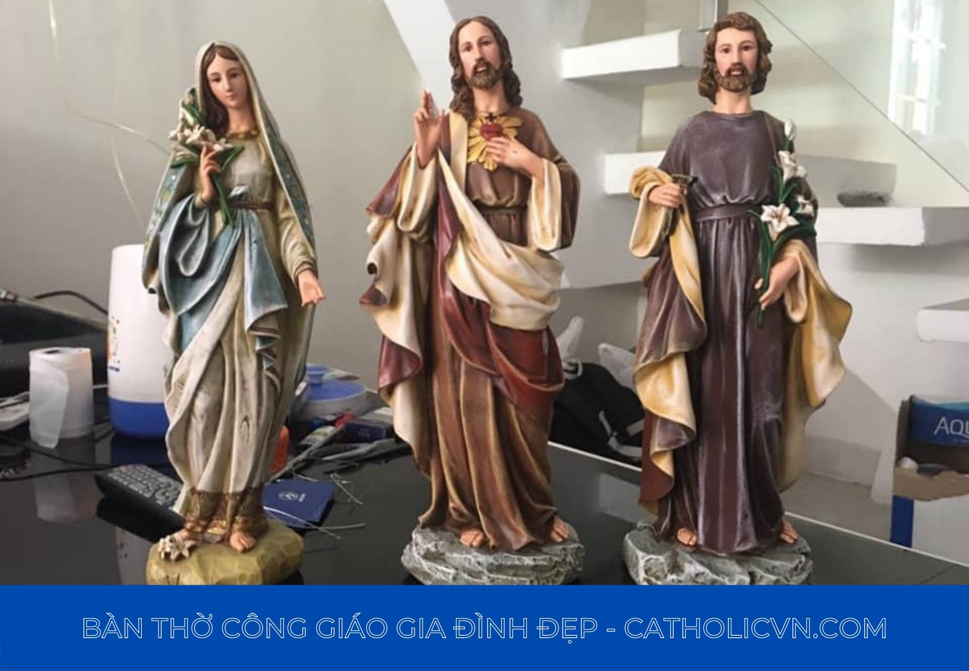 Tượng Công Giáo Thạch Cao, những Ảnh Tượng Công Giáo đầu tiên
