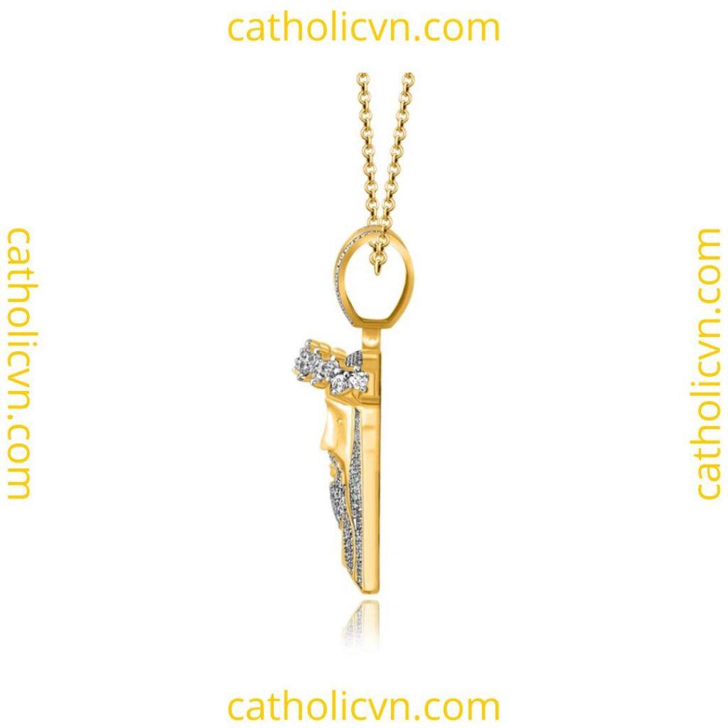 Mặt dây chuyền vàng và kim cương Chúa Giesu Kito Vua